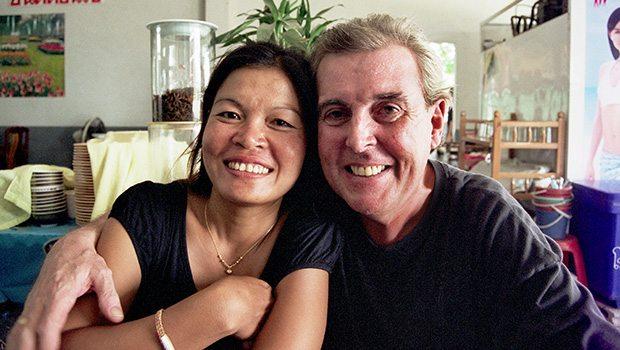 Waarom gaan jonge Thaise vrouwen met oude mannen?