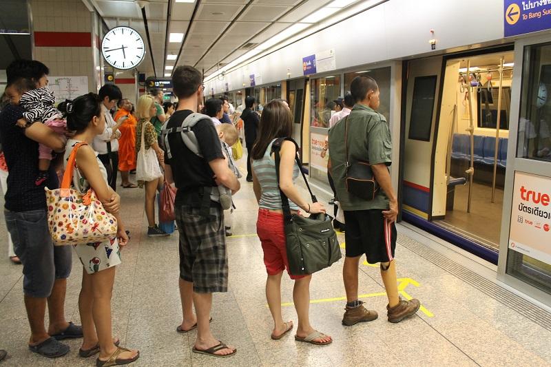 Langer stappen in Bangkok met oud op nieuw