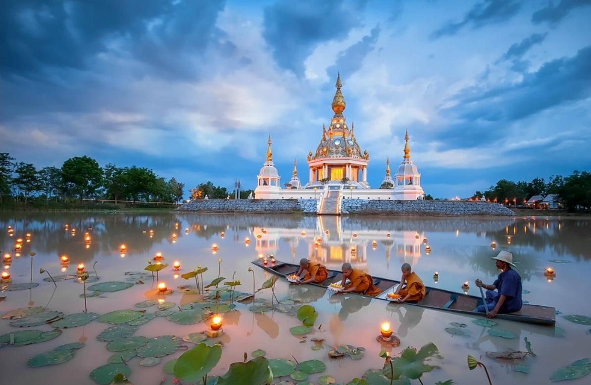 loy krathong 2019 in thailand